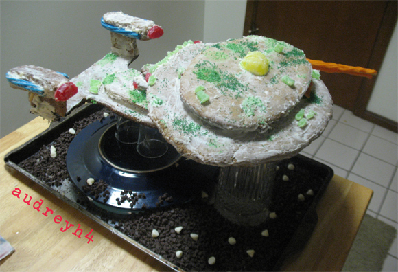 tar trek ginger bread Geeks Know How To Make Gingerbread