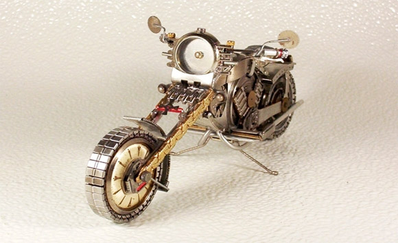 harley watch1 Mini Bikes And Vehicles Made From Watches