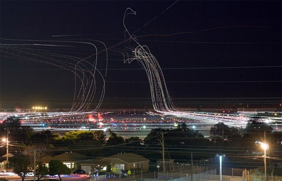 airplane-take-off-long-exposure