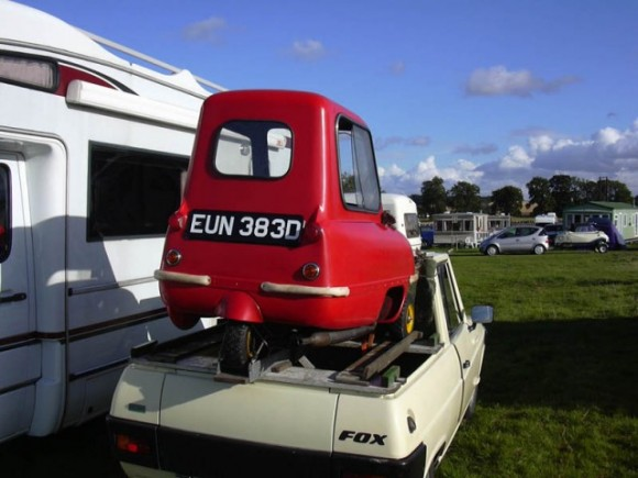 car small 580x435 Worlds Smallest Cars   Peel Microcars