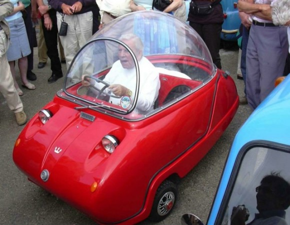 microcars 580x451 Worlds Smallest Cars   Peel Microcars